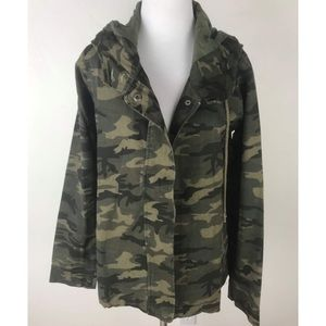 NWT Hem & Thread Camo Print Jacket